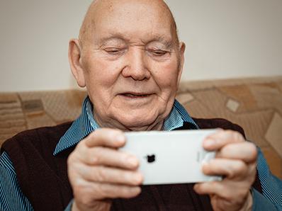 older_adult_phone_thumb.jpg